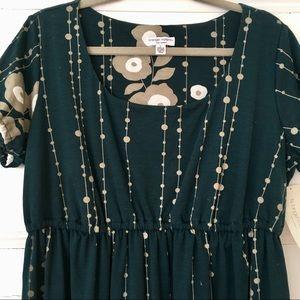 Dresses - Liz Lange Maternity Dress - Large